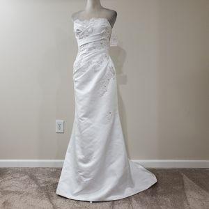White One strapless wedding dress